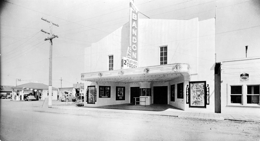 New Bandon Theater, 1937