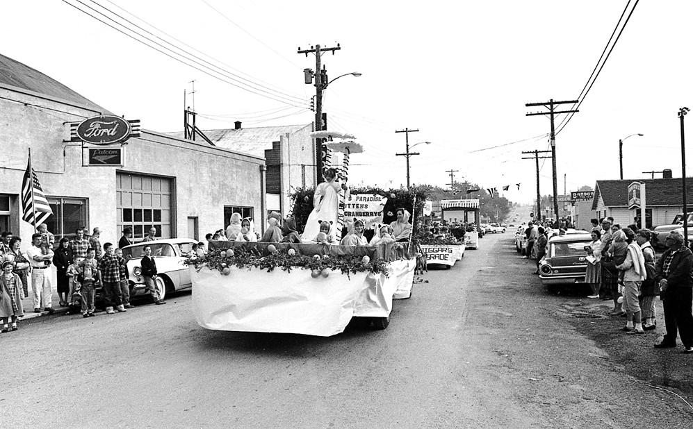 Cranberry Festival parade, 1962