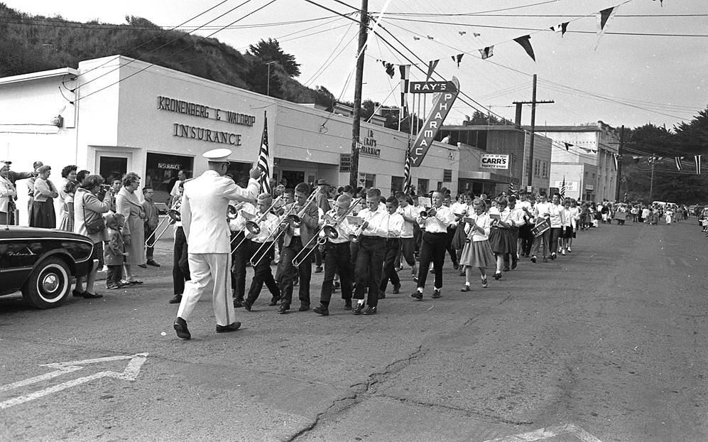 Cranberry parade, 1962