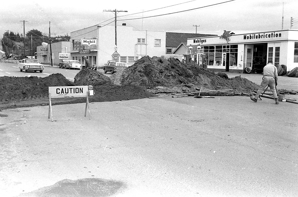 Installing sewer Second Street 1962