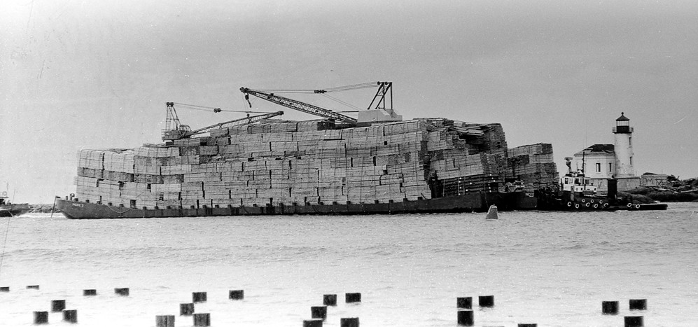 Barge loaded with lumber, 1962