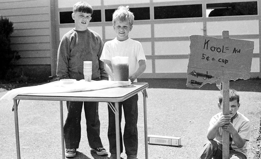 Billy Barnes & Jeff Palmer selling Kool-aid