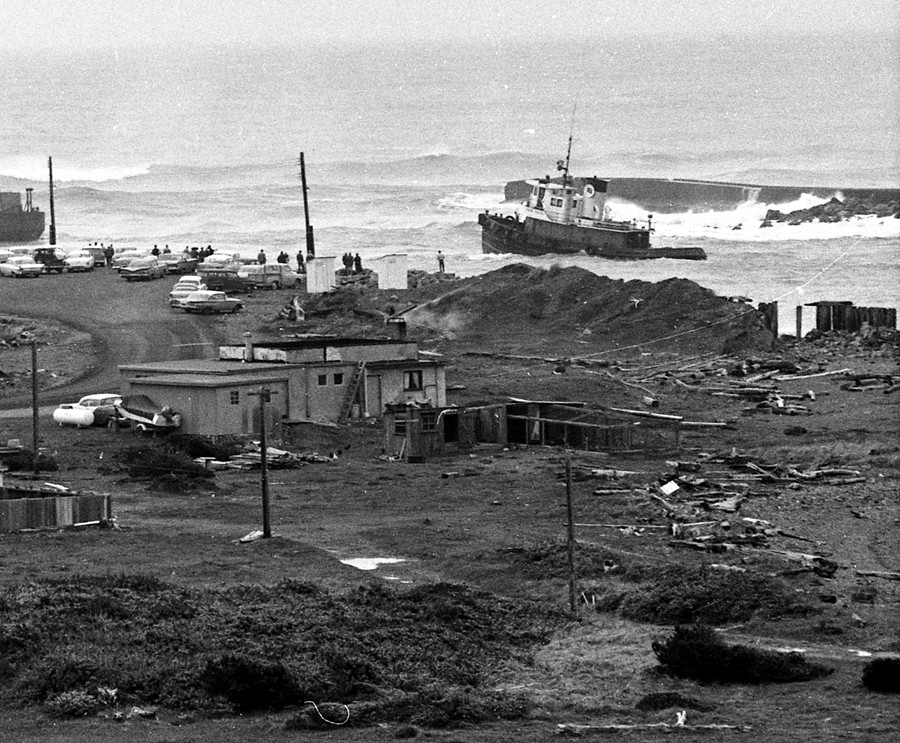 Lumber barge crossing the bar, 1961