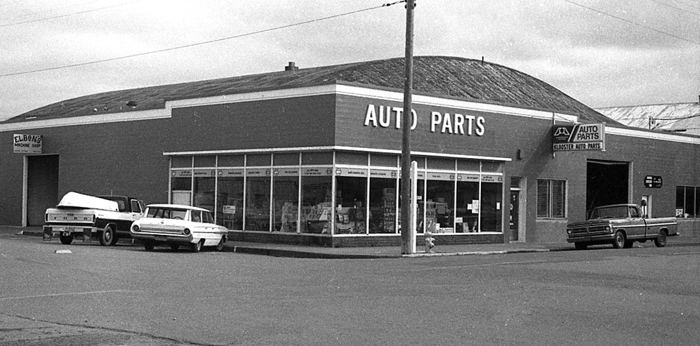 Klooster Auto Parts, 1976