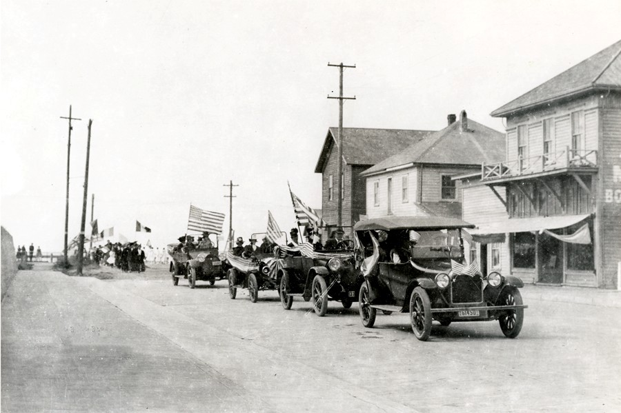 July Fourth parade before the Fire of 1914