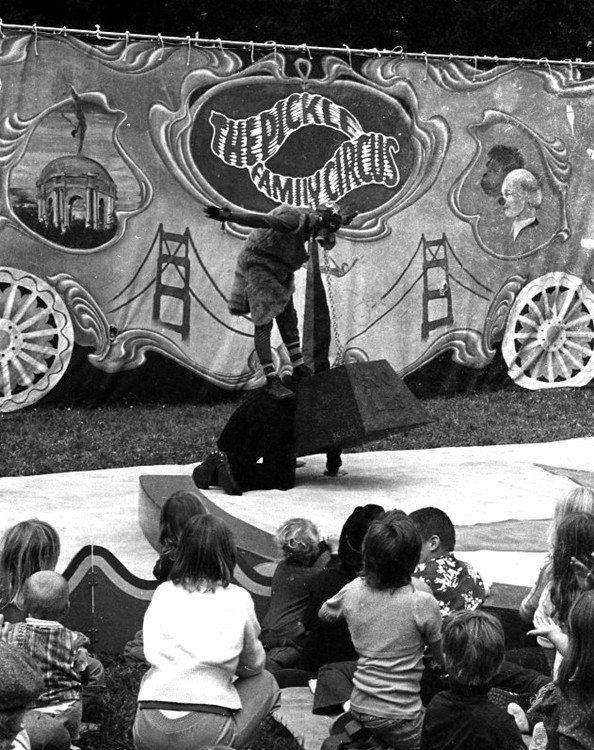 Pickle Family Circus 1980