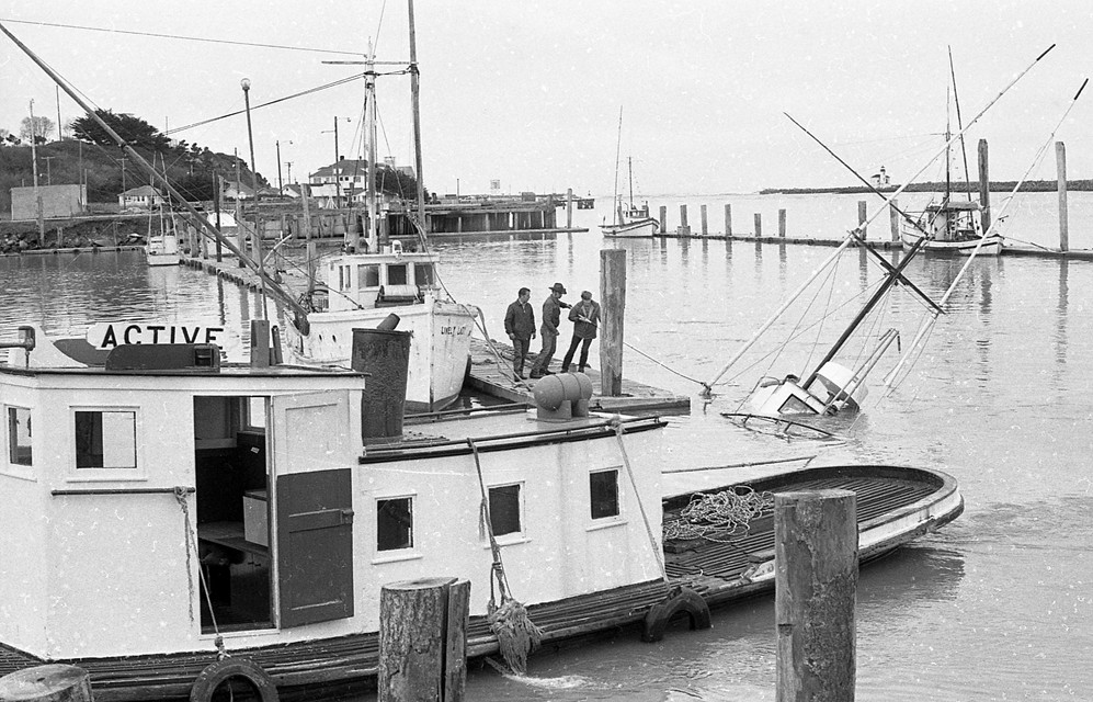 Small fishing boat sunk at the dock