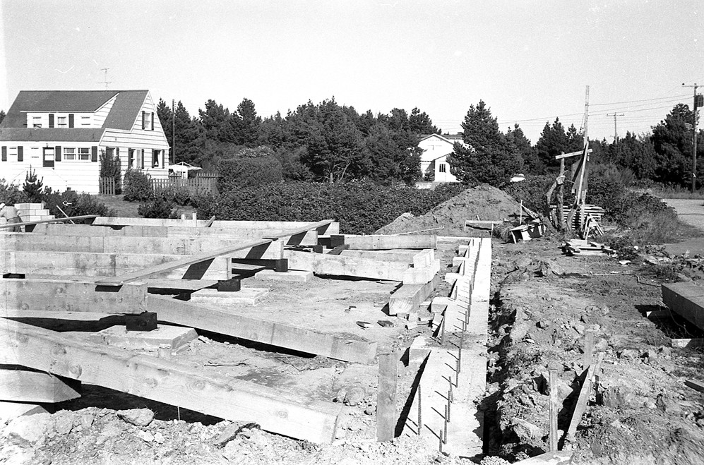 Foundation is laid for Shindler's Drug Store, 1961