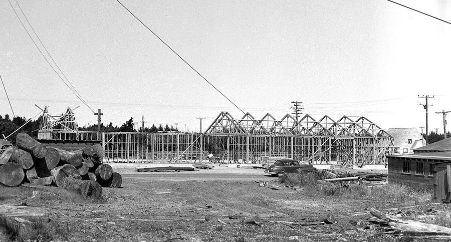 Perry Bros. new mill being built at 11th and Elmira, 1958