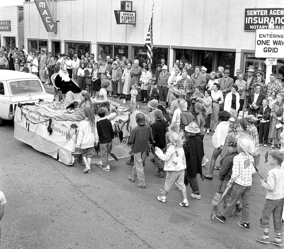 Cranberry Festival parade, 1957