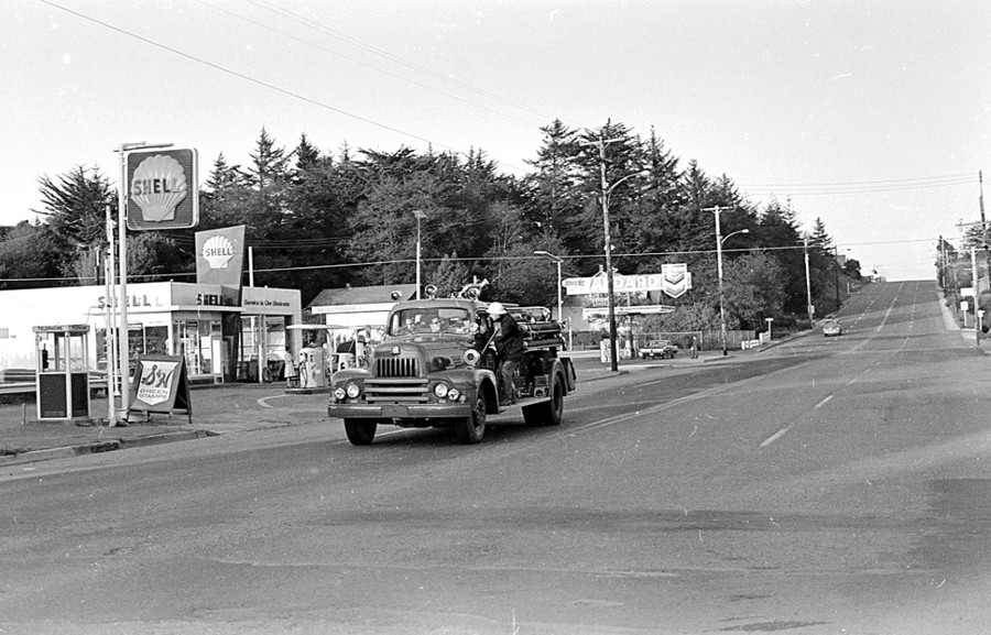 Gas stations on Highway 101, 1965