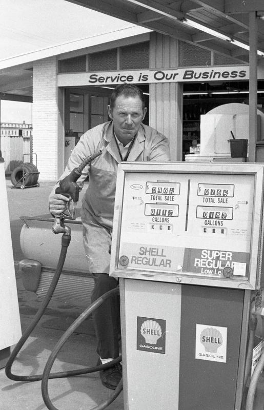 Bob's Shell Service, 1973