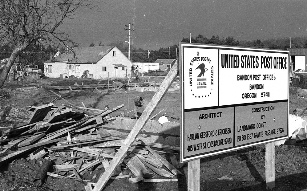 Bandon Post Office construction, 1975