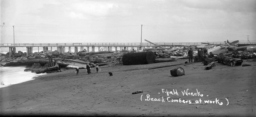 Wreck of the Steamer Fifield, 1916