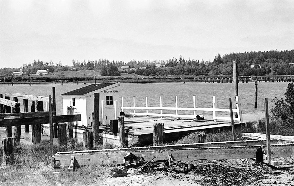 Riverton ferry crossing