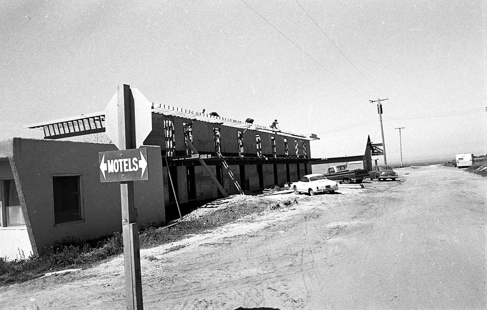 Construction of the first Gorman Motel, 1972