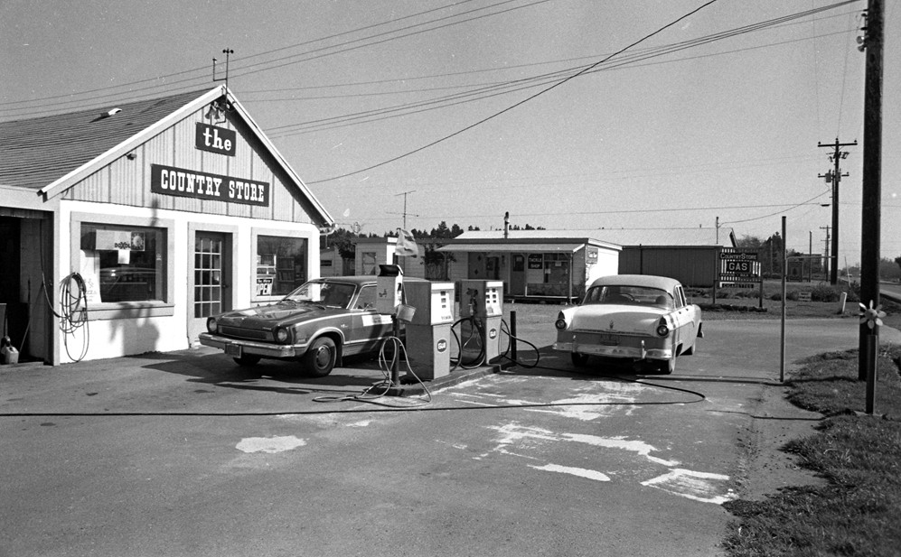 The Country Store, 1975