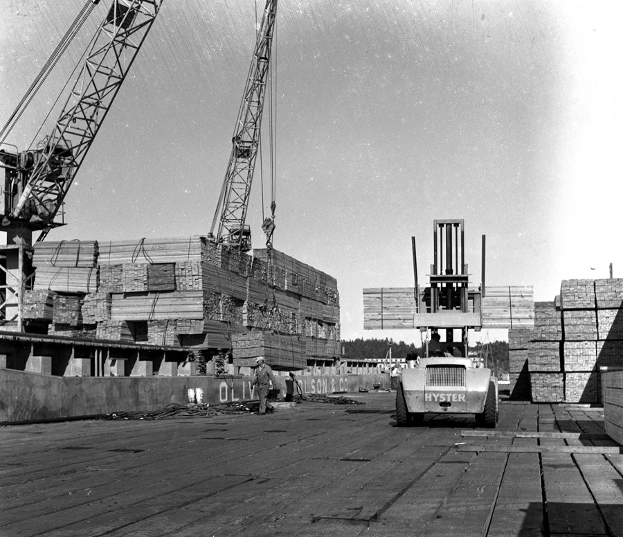 Loading lumber 1956