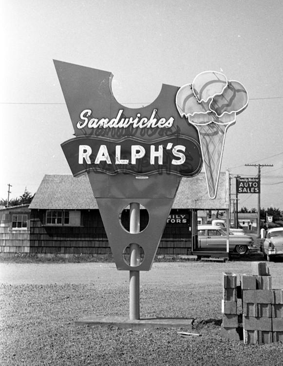 Ralphs 1955