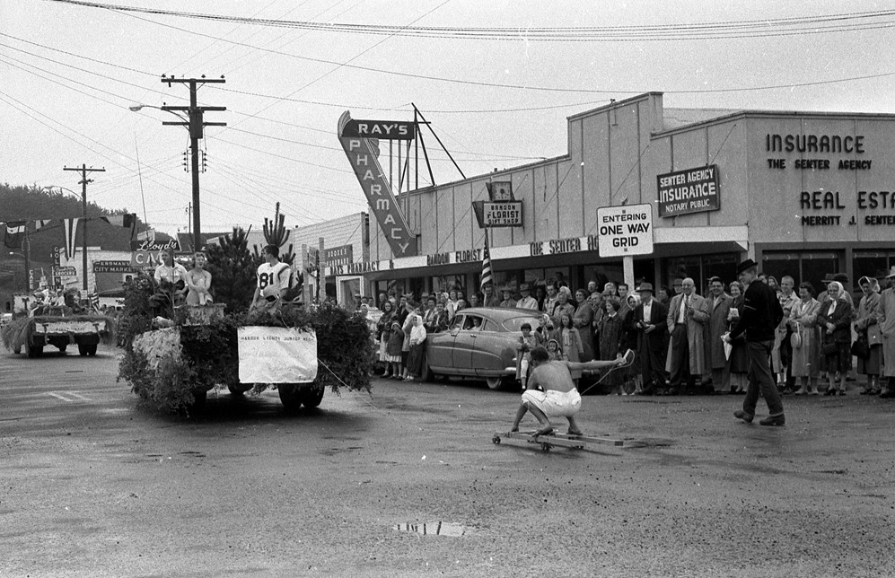 1959 Bandon, Oregon Cranberry Festival Parade